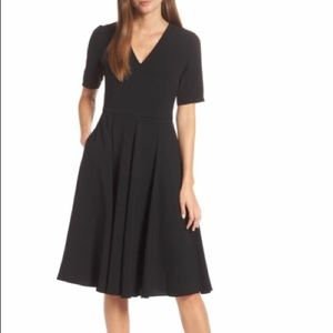 Gal Meets Glam Edith City Crepe Dress